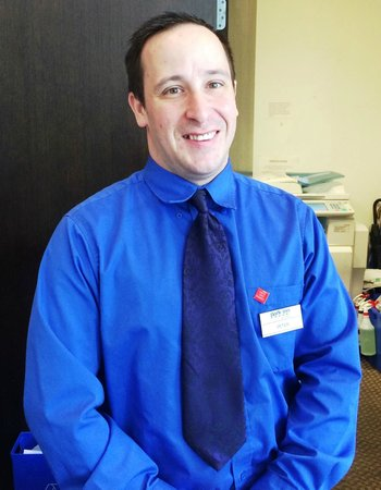 Park Inn & Suites by Radisson: Peter, absolutely the nicest front desk person!