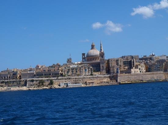 Valletta Waterfront: as you get closer the limestone buildings seem to glow