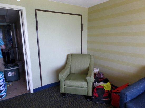 Caribbean Resort And Villas: living room chair