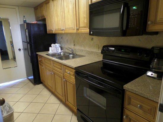 Caribbean Resort And Villas: kitchen