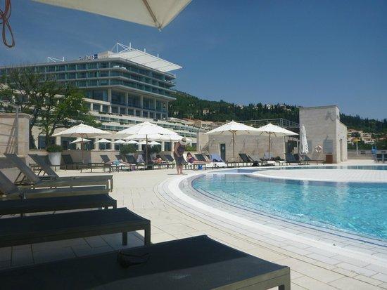Radisson Blu Resort & Spa at Dubrovnik Sun Gardens : adult pool