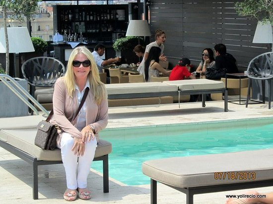Majestic Hotel & Spa Barcelona: On the pool deck