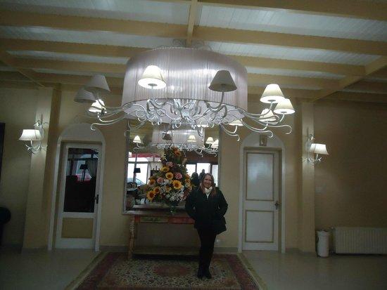 Hotel Galo Vermelho: entrada e recepção