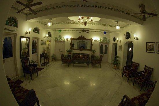 Jagat Niwas Palace Hotel: Hotel Lobby