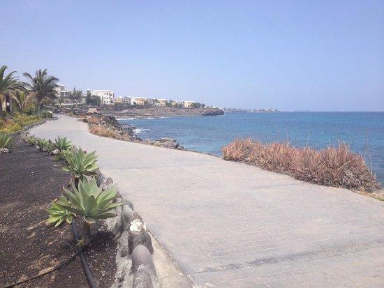 Royal Monica Playa Blanca : path around hotel