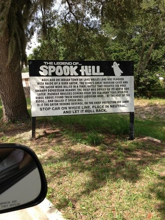Spook Hill : Sign of the folkore surrounding it