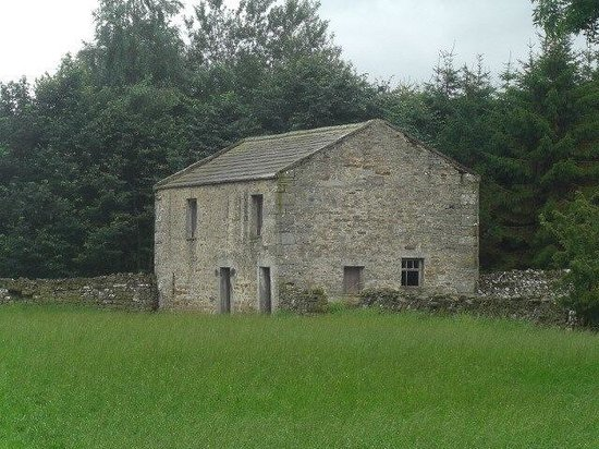 Stone House Hotel: A typical Dales barn!