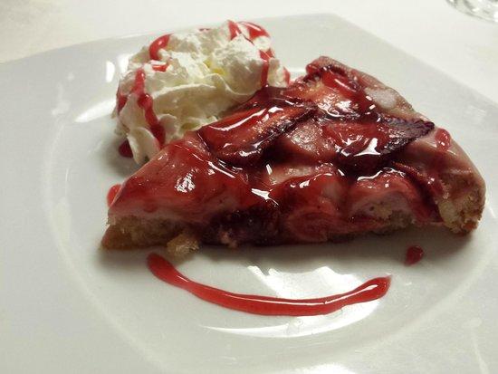 Pastel casero de fresas- Restaurante Can Bolet (Lloret de Mar)