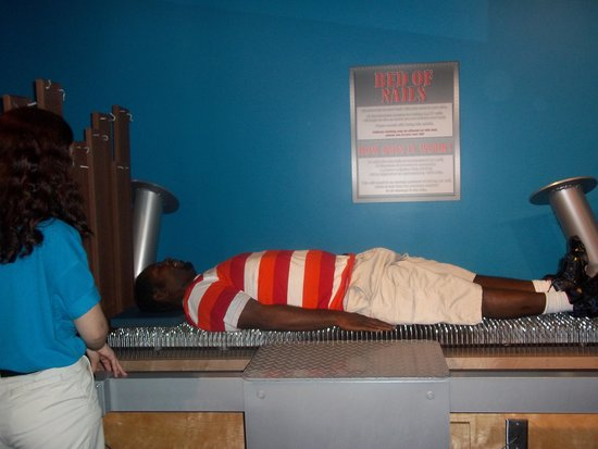 WonderWorks: Bed of nails