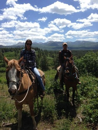 Majestic Dude Ranch: Horseback riding above the ranch and lake