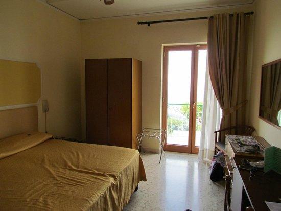 Il Nido Hotel Sorrento: Room 105 - balcony faces Vesuvius and Bay of Naples