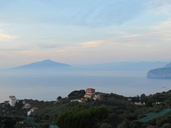 Il Nido Hotel Sorrento: Vesuvius across the bay from room 105