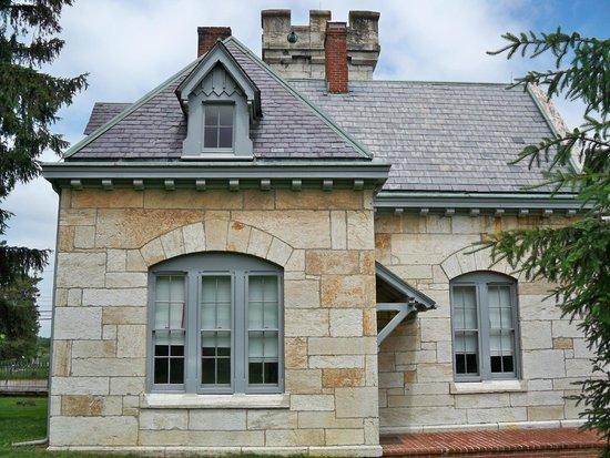 Antietam National Cemetery: gatehouse