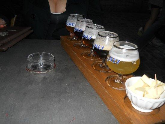 Le Cafe de Bruxelles: cervas
