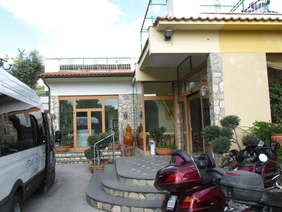 Il Nido Hotel Sorrento: Il Nido from the outside