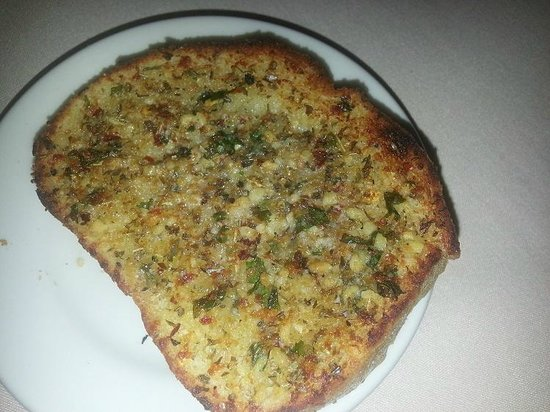 Sabatino's Italian Restaurant : Best garlic bread ever!