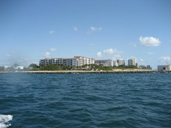 Marriott's Ocean Pointe : Resort from the ocean.