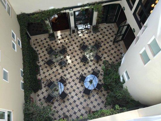 LP Los Portales Hotel Cusco: Inner courtyard view