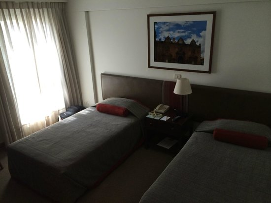 LP Los Portales Hotel Cusco : Twin-bedded room (TV, mini-bar, super bathroom)