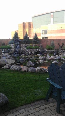 Stoney Creek Hotel & Conference Center - Sioux City: Courtyard/Pool Area