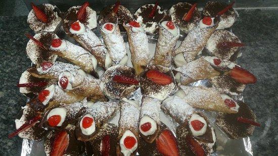 Il Giardino : Cannoli siciliani et Tiramisù