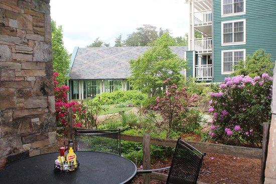 Brasstown Valley Resort & Spa Restaurant : Outdoor Eating
