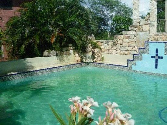 Izamal  Ruins: Mayan pool at Hacienda Santo Domingo