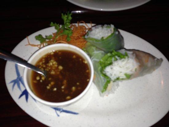 Miss Saigon Bistro: Spring roll- goi cuon