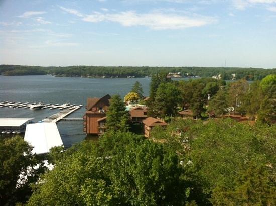 Tan-Tar-A Resort, Golf Club, Marina & Indoor Waterpark : Lake view from guestroom
