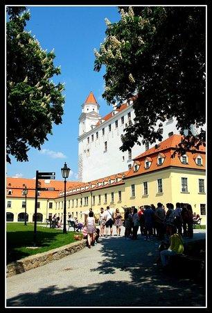 Bratislava Castle: Castle Grounds