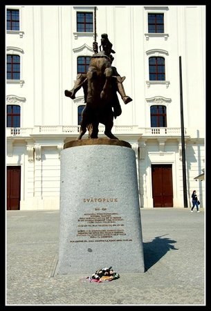 Bratislava Castle: Equestrian statue of King Svatopluk I at the Honorary Courtyard