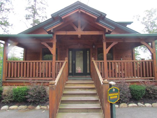 Gatlinburg Falls Resort: Cabin from our first trip
