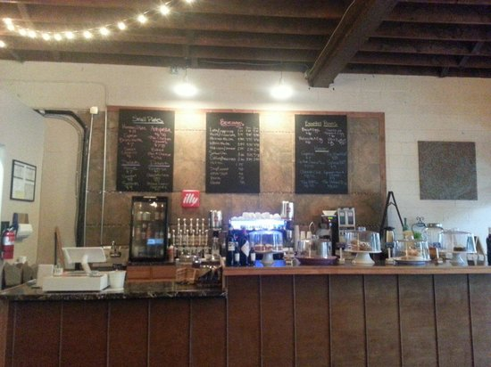 Bistro 214 : They have coffee drinks,  paninis and pastas