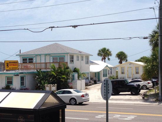 Seahorse Cottages: View of the cottages from the grocery store.