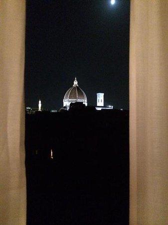 Hotel Loggiato dei Serviti: beautiful night view from Room 30