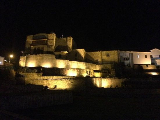 Convento de Santo Domingo: Nighttime View of the Illuminated Temple Of The Sun
