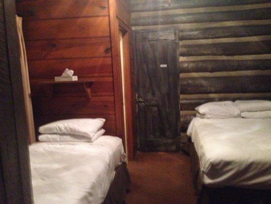 Grand Canyon Lodge - North Rim: Frontier Cabin für drei Personen ?!?