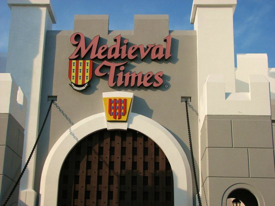 Medieval Times : front gate