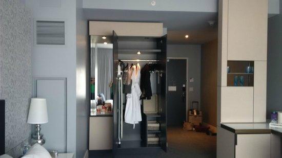 W Austin: Closet