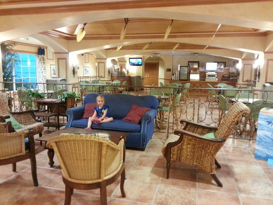 Sunset Palms Hotel Inn & Suites: Reception area, breakfast area