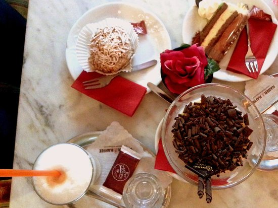 Cafe Mayer: Cakes & Coffee