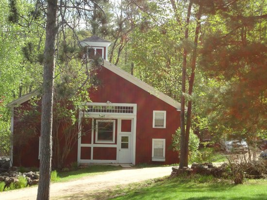 Snowvillage Inn: Carriage House- more rustic with a cabin feel.  Very comfortable stay!