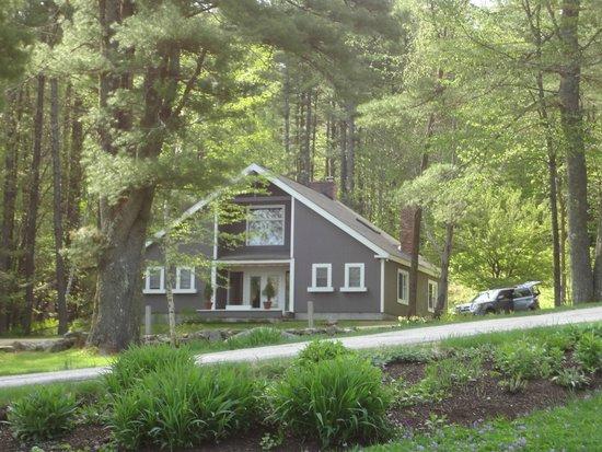 Snowvillage Inn: Newly renovated inside- secondary inn