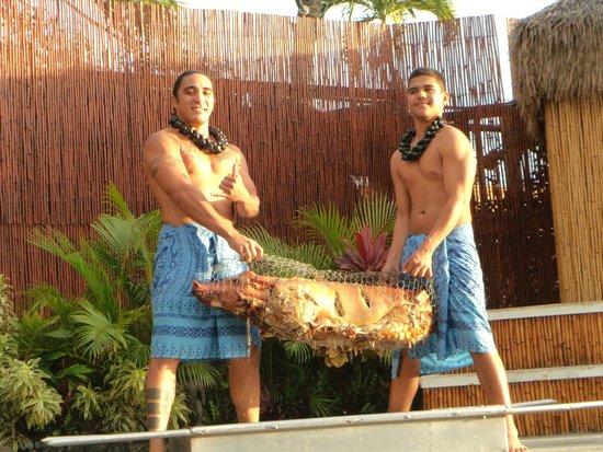 Royal Lahaina Luau: Dinner