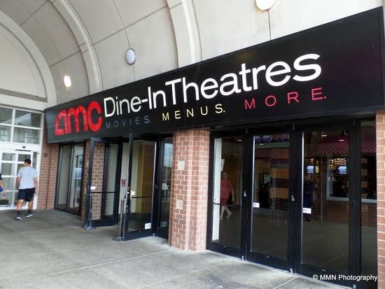 Entranceway picture of amc dine in theatres menlo park New jersey dine in theatre