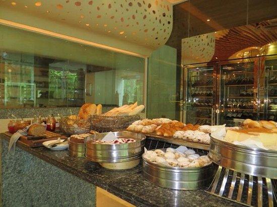 Renaissance Phuket Resort & Spa: Buffett