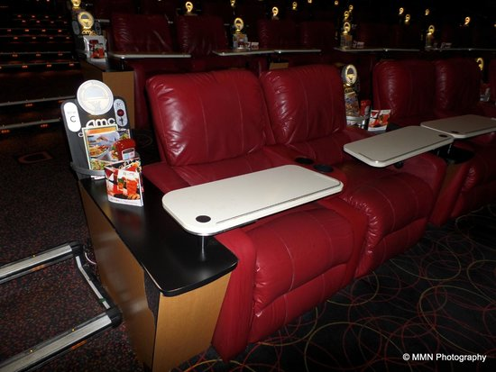 Server On Hand Picture Of Amc Dine In Theatres Menlo: new jersey dine in theatre