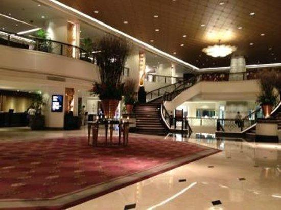 Plaza Athenee Bangkok, A Royal Meridien Hotel : ロビー