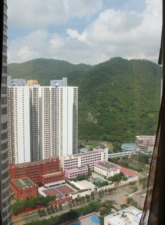 Crowne Plaza Hong Kong Kowloon East: View of mountains from our room on 33rd floor