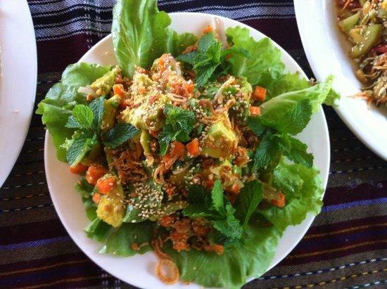 Thanakha Garden: Avocado Salad